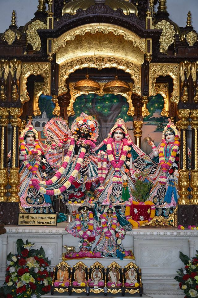ISKCON Ujjain Deity Darshan 3 April 2016  (5)