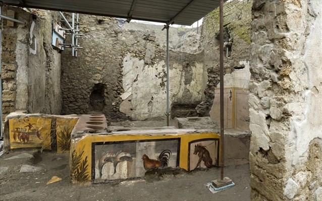 Πομπηία:  Θερμοπωλείο που έφερε στο φως η αρχαιολογική σκαπάνη παρουσιάστηκε ολόκληρο