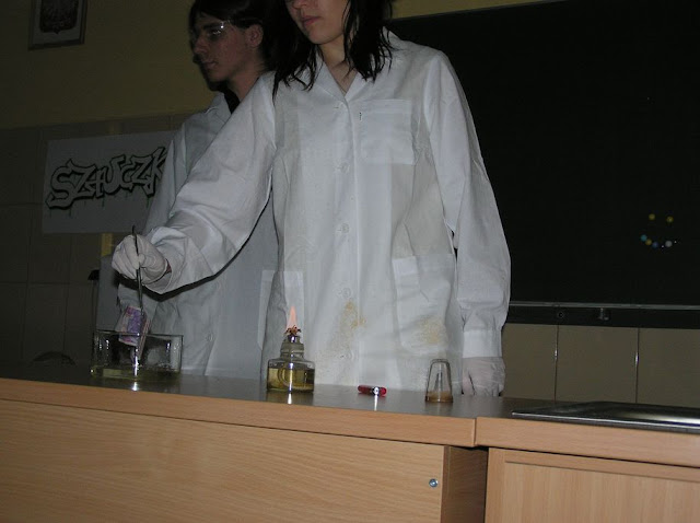 DO 2011 pokazy fizyczno chemiczne - P4150052_1.JPG