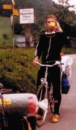 Chris on the Bike am Oberen Hauenstein (734 m) 1982
