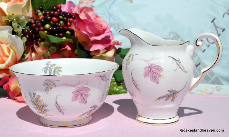 Tuscan Windswept Vintage China Milk Jug & Sugar Bowl