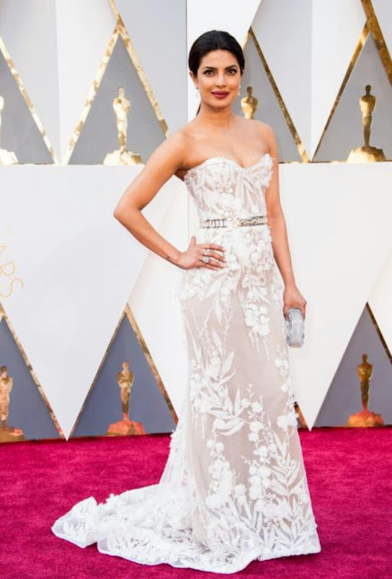 Indian actress priyanka chopra at Oscar 2016