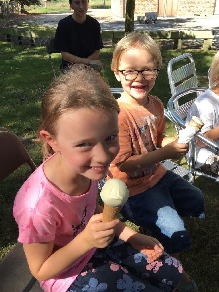 De Knetters gaan leren hoe je ijsjes maakt. - IMG_4671.JPG