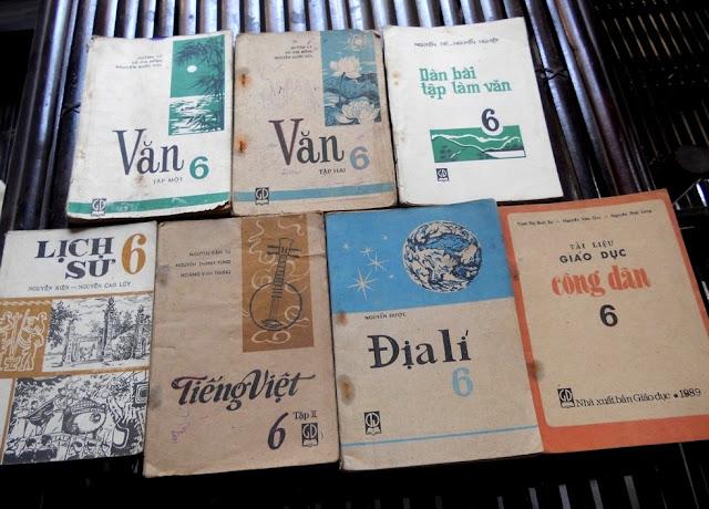 Sách giáo khoa tiểu học cũ - nơi lưu giữ từng trang ký ức DSCN3250