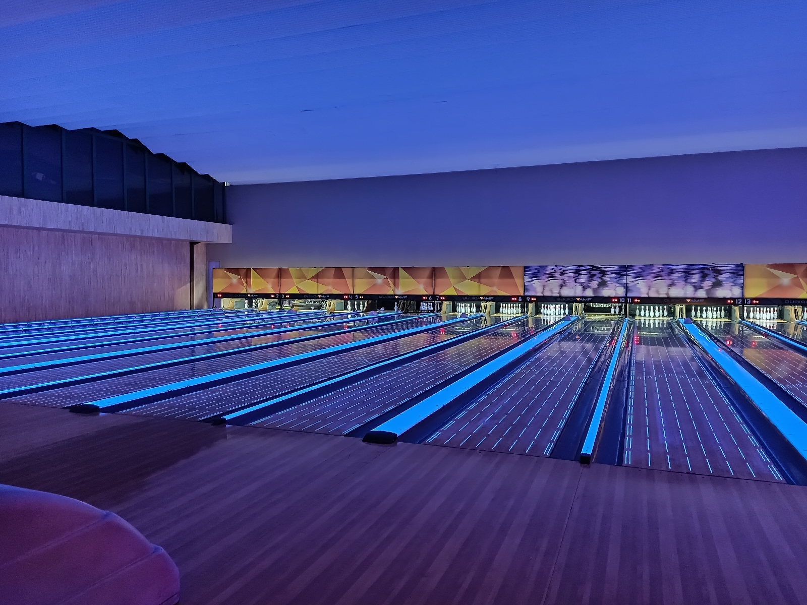 Spincity Bowling Alley, The Breeze BSD
