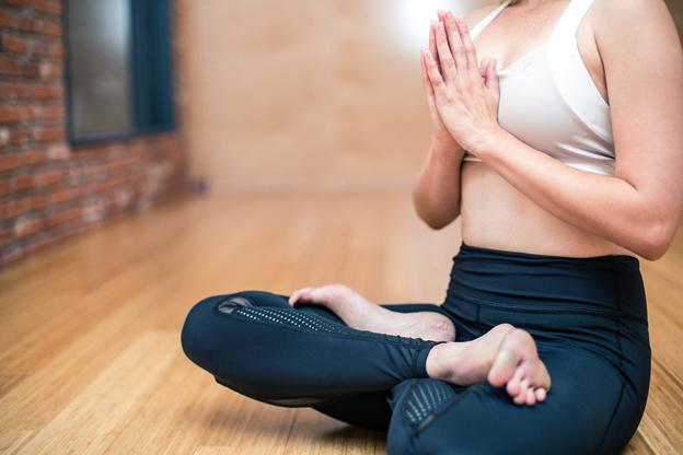 Seis pasos para crear el hábito del yoga.