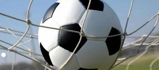 ما هي قوانين كرة القدم 2021