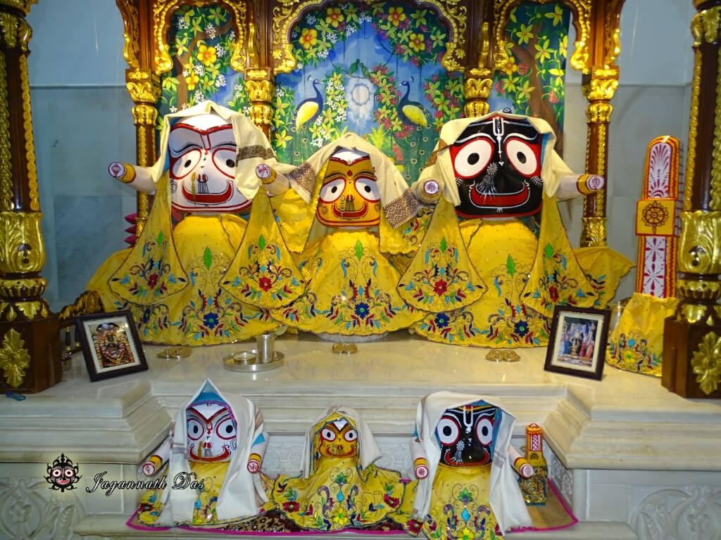 ISKCON Mira Road Mangal Deity Darshan 02 Feb 2016 (13)