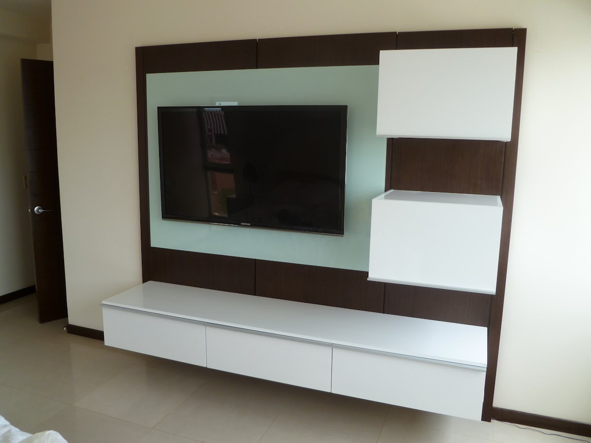 Muebles para tv minimalistas closets orbis for Muebles de tv de madera