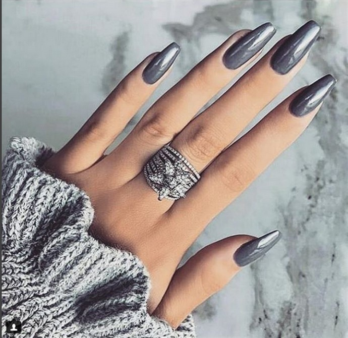 30+ Stunning Silver Nail Designs Trends 2018 - 30+ Stunning Silver Nail Designs Trends 2018 - Fashonails