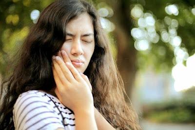 Diş ağrısı için evde doğal çözüm yolları