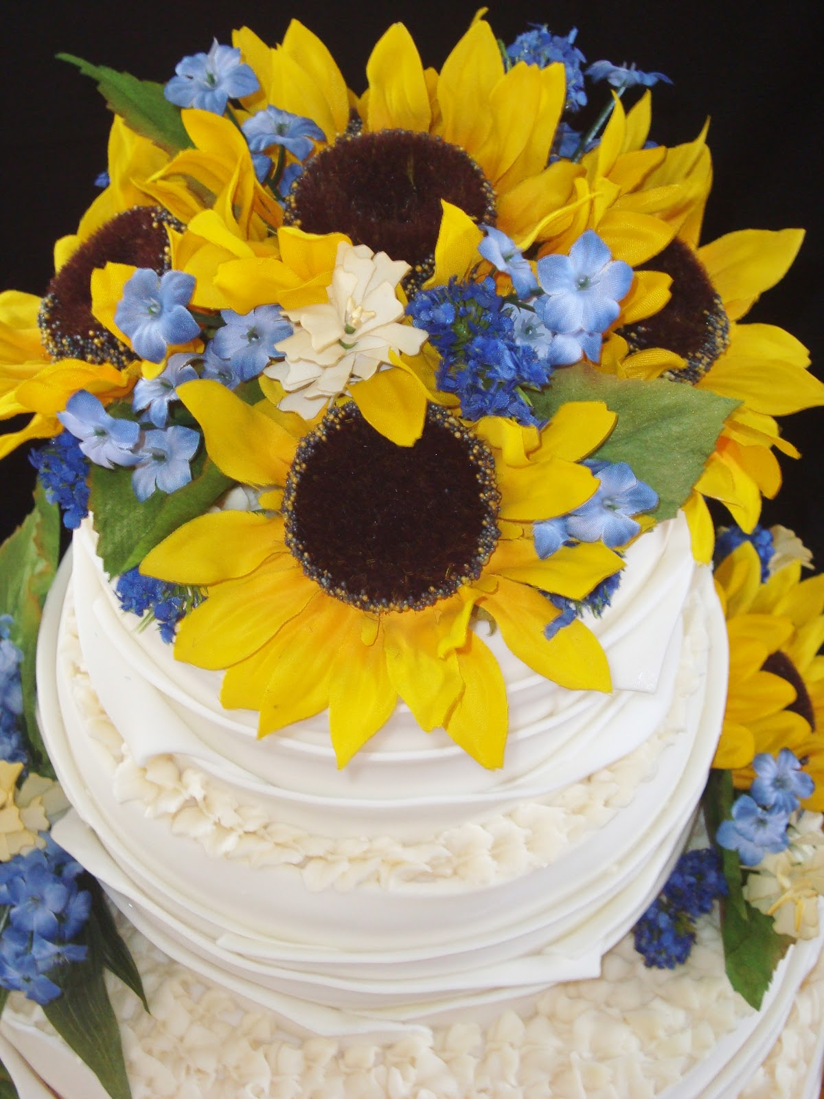Anything but Ordinary Cakes & Cookies: Rustic Wedding Cake