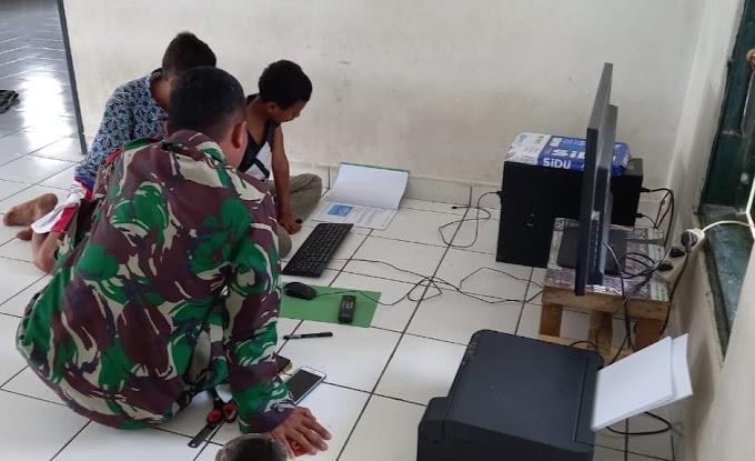 Satgas Yonarmed 6/3 Kostrad Adakan Giat Kursus Belajar Komputer Untuk Anak-Anak di Perbatasan.