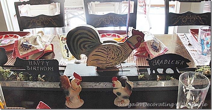 Barnyard animal birthday tablescape