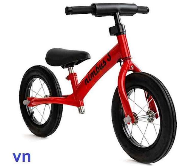 Xe cân bằng trẻ em Nimbus màu đỏ