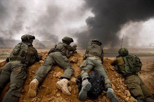 קרדיט זיו קורן - פולריס אימגס פלסטינים וחיילי צהל מתעמתים ליד גדר הגבול גבול ישראל- עזה מאי - יוני 2018.jpg