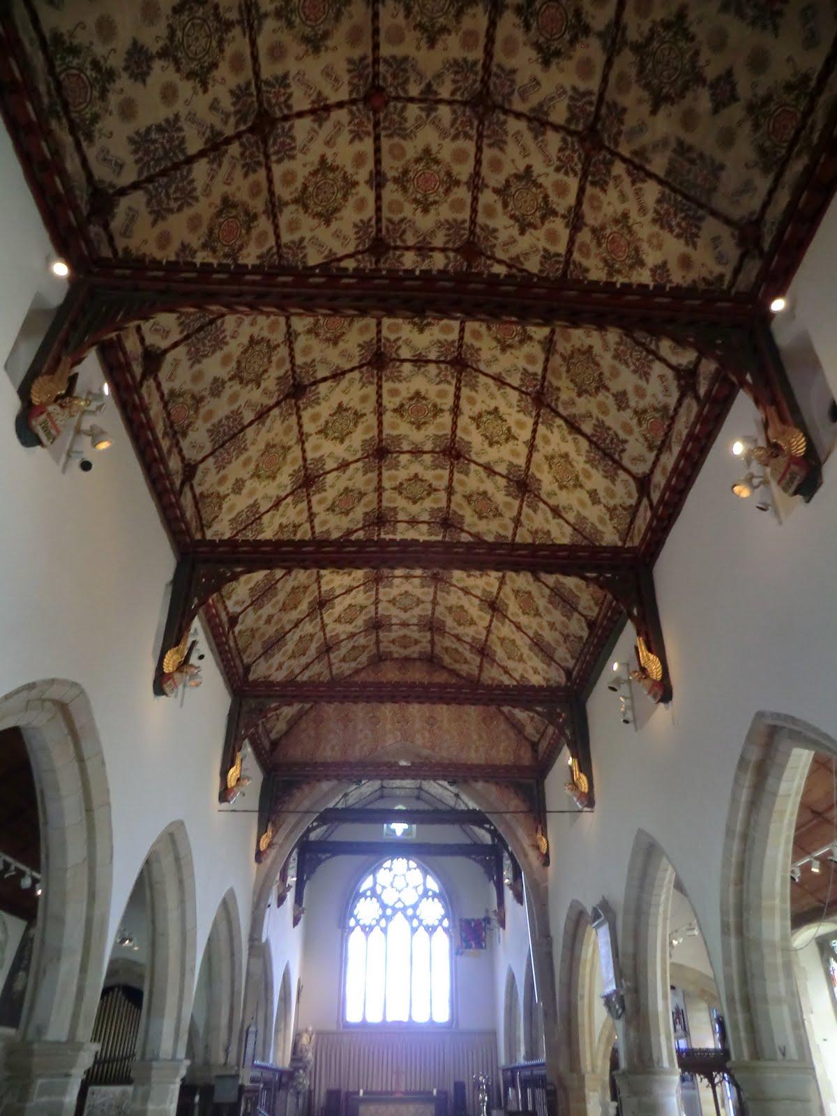 CIMG3987 Decorated ceiling, Holy Trinity Church