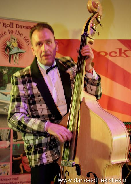 Phil Haley  & his Comments bij 20 Jaar Dance to the 60's Rock n Roll Dansschool (3).JPG