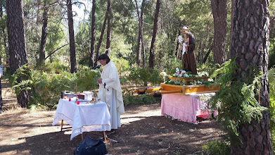 Photo: Procesión y misa.