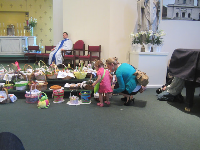 4.7.2012, Wielka Sobota, Świecenie pokarmów, kościół MOQ, Norcross. Zdjęcia E. Gürtler-Krawczyńska - 008.JPG