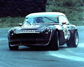 V8-snetterton-90s.jpg