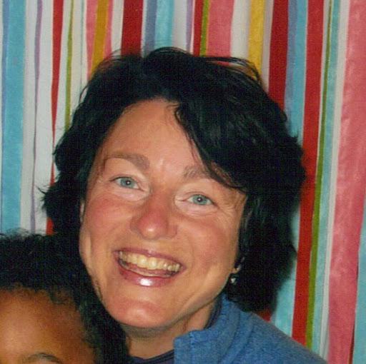 Julie Zweig