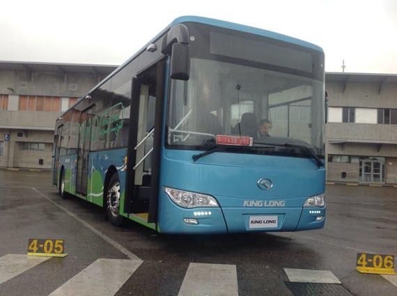 La EMT prueba el autobús híbrido E12 de King Long