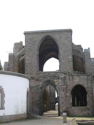 L'abbaye de la pointe de Saint-Matthieu