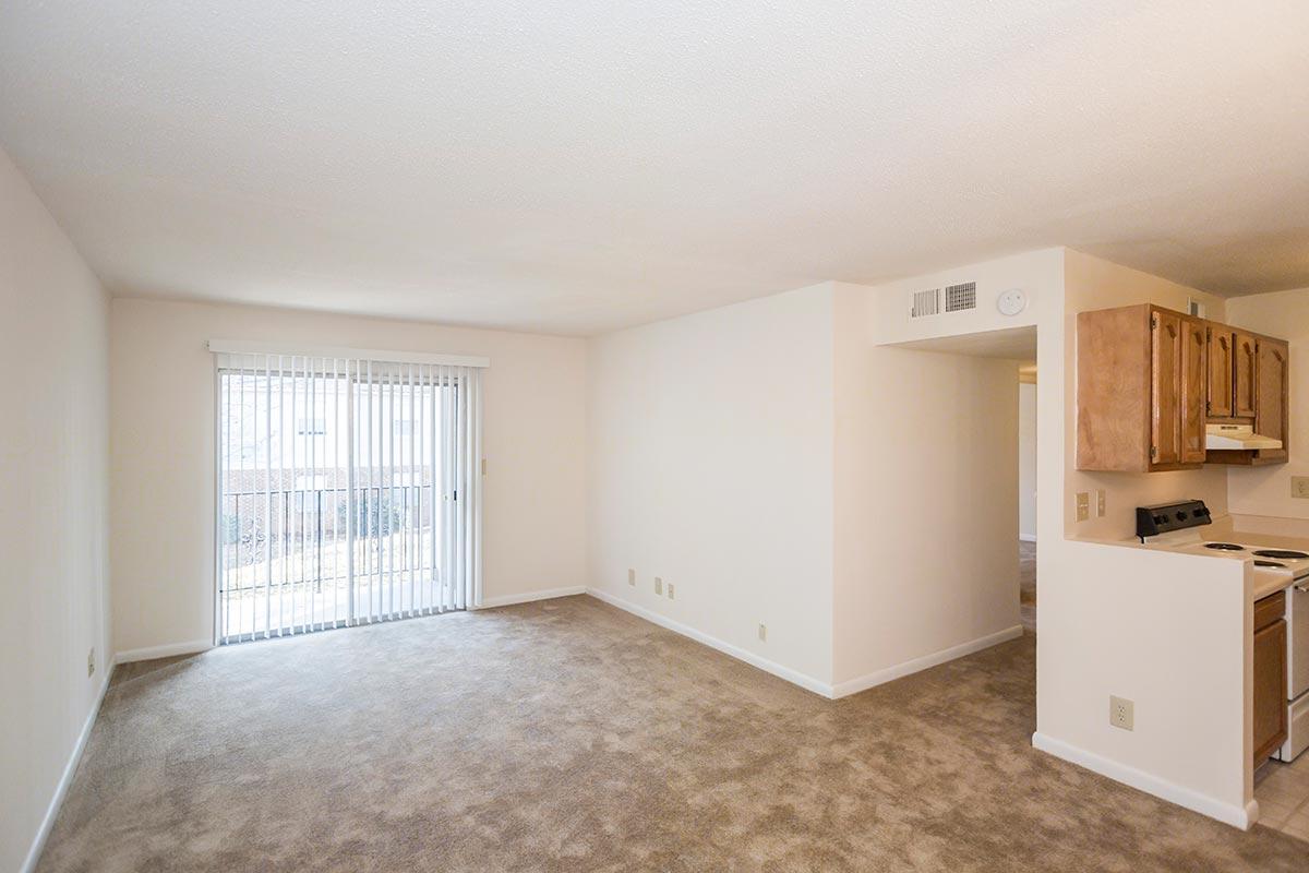 Three Bedroom Flat Colonial Apts In Greensboro Nc