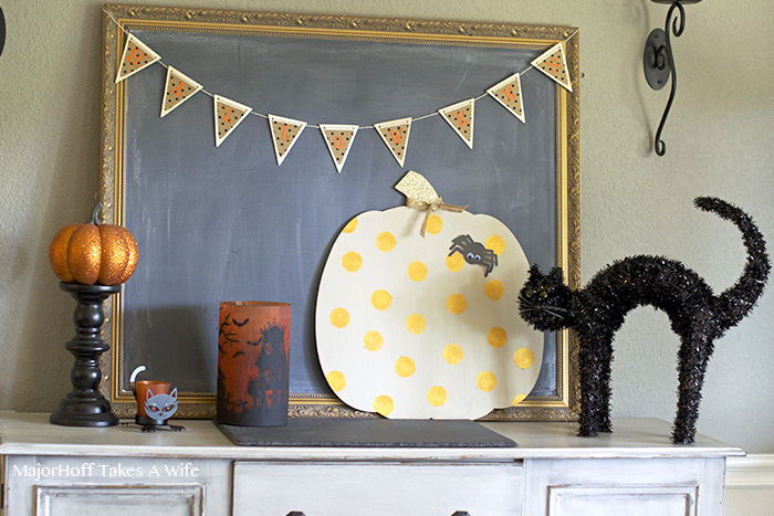 Halloween dining room decor