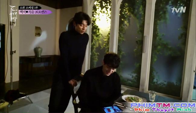 """""""Goblin"""" tập đặc biệt: Gong Yoo còn """"tình cảm"""" với Lee Dong Wook hơn cả Kim Go Eun! - Ảnh 3."""
