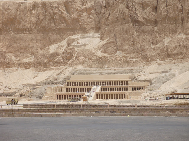 فى مصر الرجل تدب مكان ماتحب ( خاص من أمواج ) 100607-111140-s