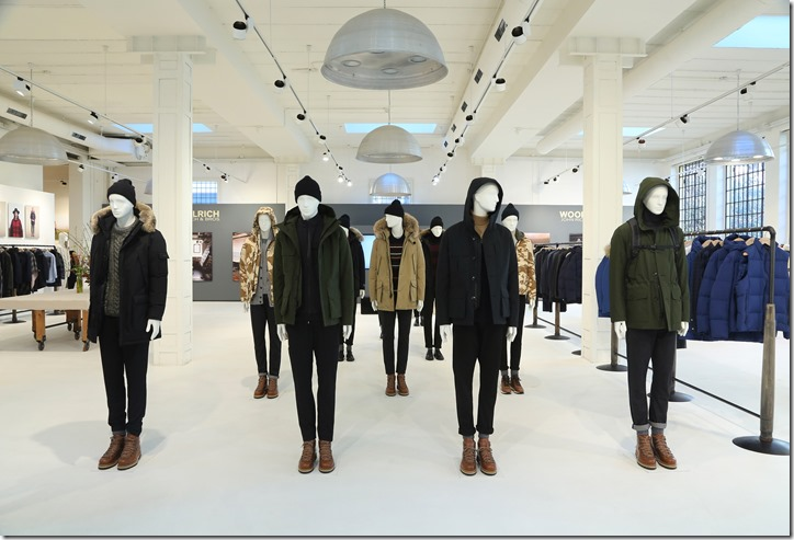06 - WOOLRICH MENS FW17 COLLECTION SET UP