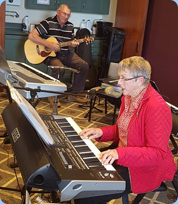 Jeanette Harding gave a cameo to finish the afternoon on her Korg Pa3X. In the background, Kevin Johnston accompanied on his Crafter acoustic guitar.