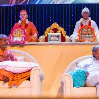 Swamiji Sahebdada Stage Center.jpg