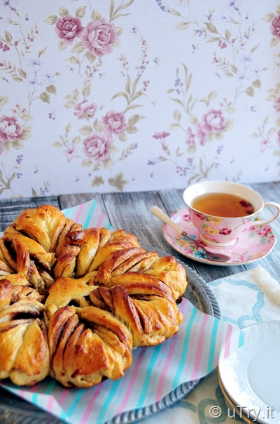 Cinnamon Pull-Apart Star Bread (Tang Zhong Method 湯種法)   http://uTry.it