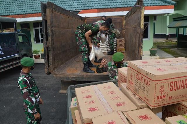 Korem 091/ASN Peduli Korban Banjir, Kodim 0904/Tanah Grogot Kirim 2 Truk Paket Sembako Untuk Warga Kalsel