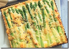 Torta del picnic con asparagi