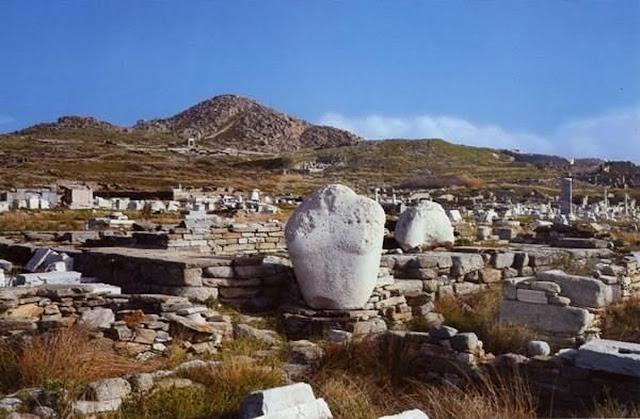Ανακαλύφθηκαν άγνωστα λατομεία μαρμάρου ως πηγή για τον αρχαϊκό Απόλλωνα της Δήλου