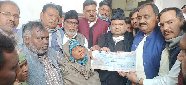 सपा नेता मुस्लिम हीरा के चालीसवें में उमड़ा सैलाब , राष्ट्रीय सचिव मौलाना जावेद आब्दी ने कह डाली ये बड़ी बात