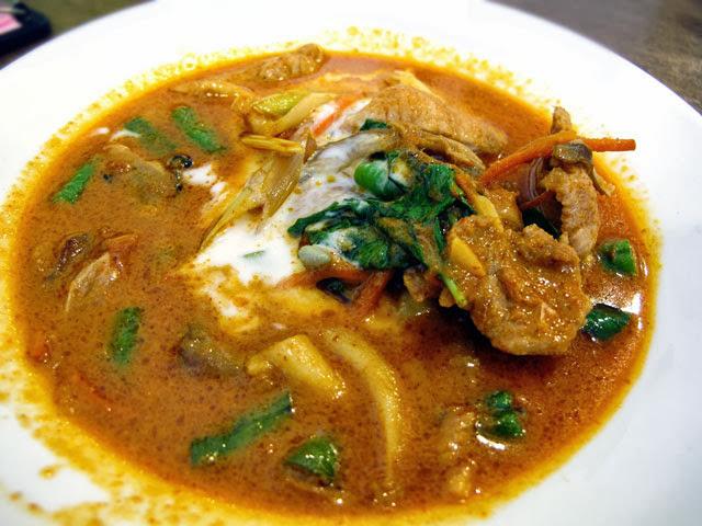 紅咖哩豬 NT 150元-泰僑村台中泰式料理