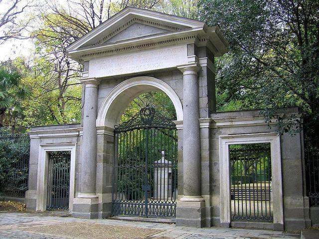 Puerta real viendo madrid for Edificio puerta real madrid