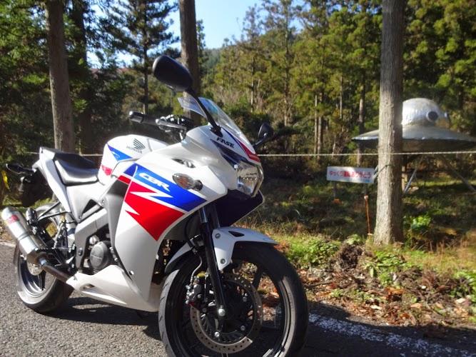 UFOとレーサーバイク