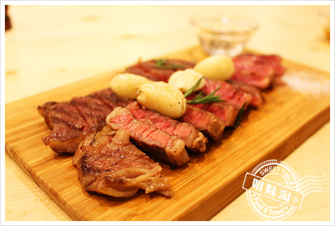 Manniu慢牛 創意牛肉料理  迷迭香奶油香蒜牛小排$389元