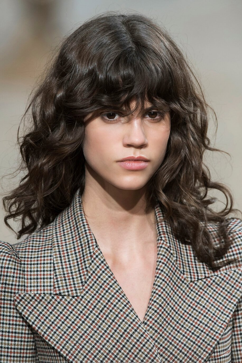 15 Most Outstanding Curly Hairstyles With Bangs 2019 - Fashionre