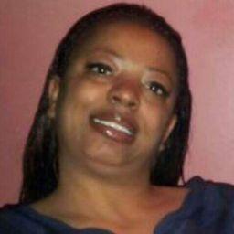 user Angela Freeman apkdeer profile image