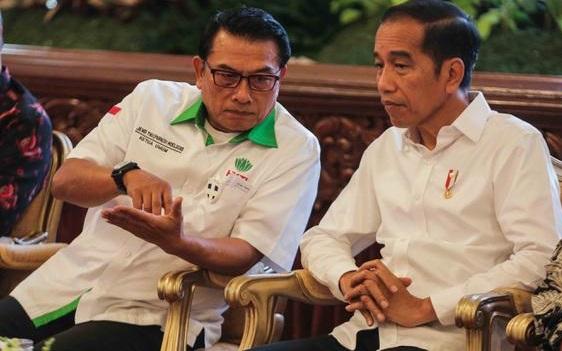Publik Heran Jokowi Cuek Melihat Moeldoko Banyak Masalah, Mulai dari Begal PD hingga Masalah ICW