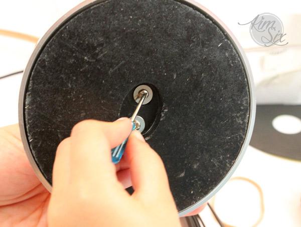 Reattaching bottom of lamp