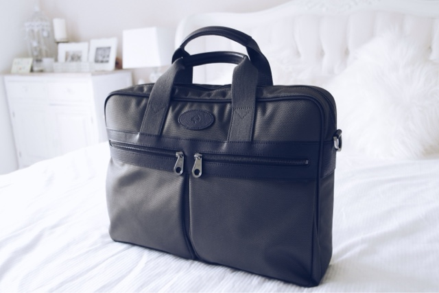c066ecf25fad ... coupon code for mulberry henry laptop bag for women fashion blogger  98209 7085b
