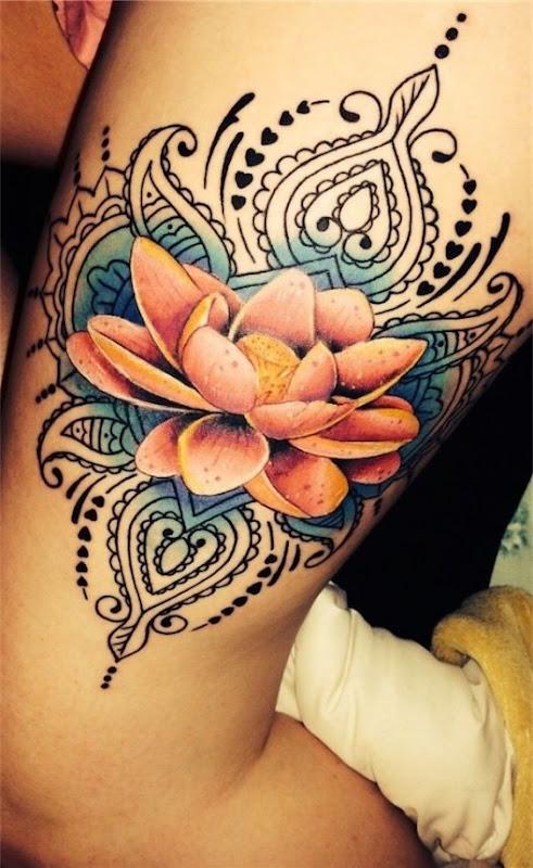 colorido_da_flor_de_ltus_da_tatuagem